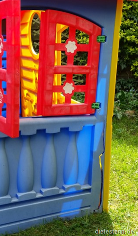 Kaputtes Spielhaus